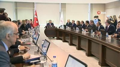 Bakan Koca:'Türkiye'de şu ana kadar kesin koronavirüs tanısı olan hastamız olmadı'