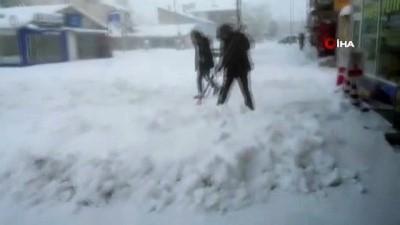 Varto'da yoğun kar yağışı