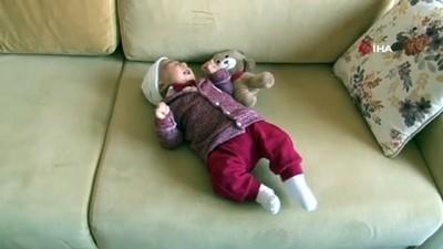 Bebeğini bırakıp deprem bölgesine koştu