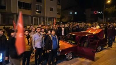 Uşak'taki vatandaşlar kahraman Mehmetçik için toplandı