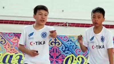 Kazakistan'da geleneksel aşık oyunu yaşatılıyor - NUR SULTAN