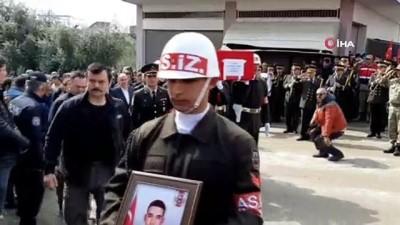 İdlib şehidi Uzman Çavuş Batuhan Tank son yolculuğuna uğurlanıyor