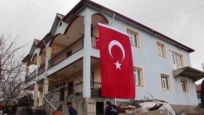 İdlib'de şehit olan Uzman Çavuş Özdemir'in ailesine acı haber verildi - YOZGAT