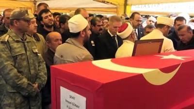 Şehitlerimizi uğurluyoruz - Şehit Piyade Uzman Onbaşı Veysel Günay son yolculuğuna uğurlandı - GAZİANTEP