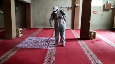 Kızıltepe'de camilerde Cuma Namazı için dezenfekte çalışması
