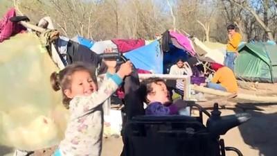 Sığınmacıların bekleyişi sürüyor - EDİRNE