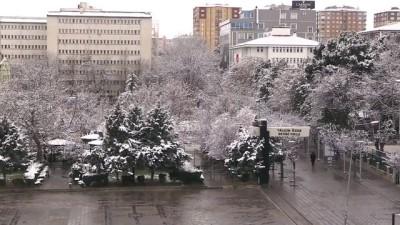 Kar yağışı etkili oluyor - KIRIKKALE