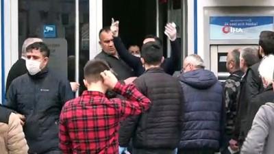Zonguldak'ta uyarılara aldırış etmeyen vatandaşlar sokaklara akın etti