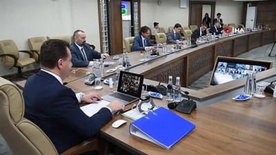 Bakan Kurum, Başkan Yılmaz ve başkanlar ile telekonferans yaptı