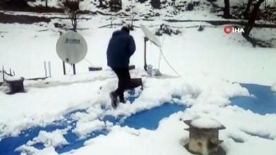 Baharı bekleyen Siirtlilere kar sürprizi