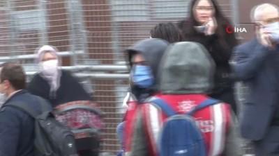 Yurtlarda kalan vatandaşlar tahliye ediliyor... Anne ile kızın buluşmasında duygusal anlar