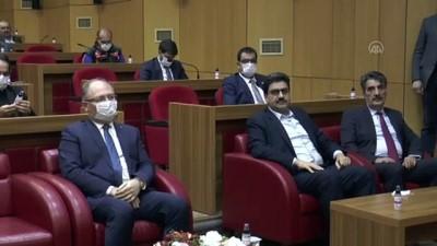 Vali Ayhan'dan 'koronavirüsten ilk ölüm' iddialarına açıklama - SİVAS