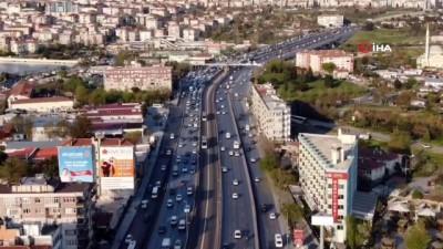 İstanbul'da uzun bir aranın ardından trafik yoğunluğu oluştu