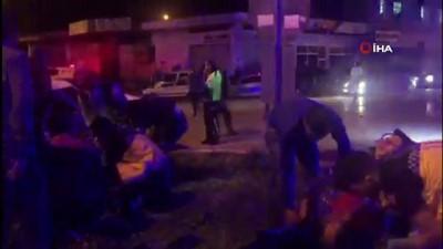 Otomobilin içinden metrelerce ileri fırladı...5 kişinin yaralandığı feci kaza kamerada