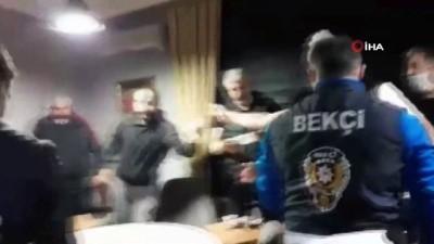 Kumarhaneye çevrilen ofise polis baskını kamerada