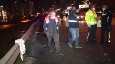 Esenyurt'ta kontrolden çıkan araç önce motosiklete sonra park halindeki otomobile çarptı: 2'si ağır 5 yaralı
