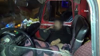 Antalya'da 4 aydır yaşadığı araçta ölü bulundu