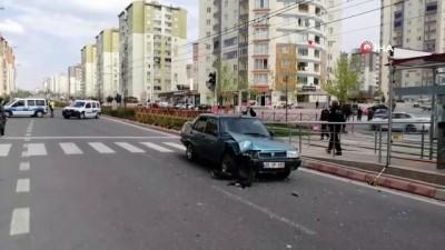 Sokağa çıkma yasağı olan genç ehliyetsiz direksiyon başına geçti, kazaya karıştı