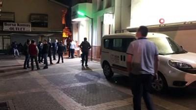 3 gün dışarı çıkamayacak olan Bursalılar Kızılay'a koştu