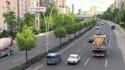 Başkentte sokağa çıkma kısıtlaması öncesi trafik yoğunluğu