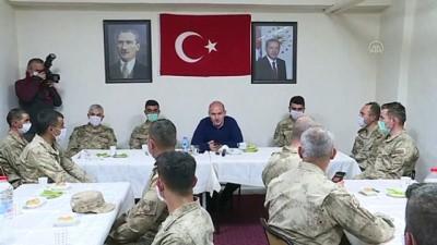 Cumhurbaşkanı Erdoğan İkiyaka Dağları'ndaki askerlerin bayramını kutladı - HAKKARİ