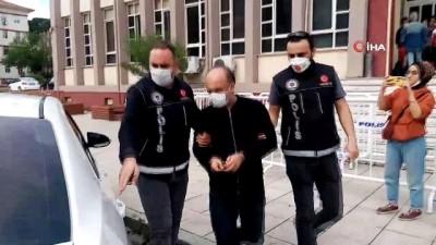 Çiçekli uyuşturucu servisi polis engeline takıldı