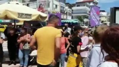 Kuşadası'nda kadına şiddet eylemi