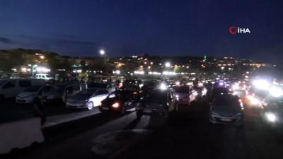Tekirdağ'da arabalı açık hava sineması...Yüzlerce araç yan yana dizilip film izledi