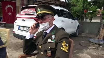 İntikamı alınan şehit binbaşının emekli astsubay babası, üniformasını giyip oğlunun mezarına koştu
