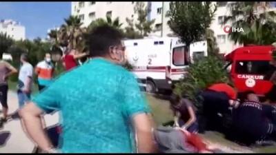 Sınava yetişmeye çalışan kız kardeşler okul yolunda kaza geçirdi