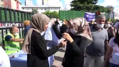 Kartal Belediyesi'nden YKS öncesi öğrecilere maske, su ve kolonya İkramı