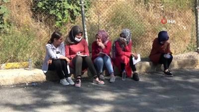 Muş'ta sosyal mesafeli YKS maratonu başladı