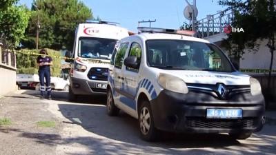 Bunalıma girdiği iddia edilen yaşlı kadın evinde asılı bulundu