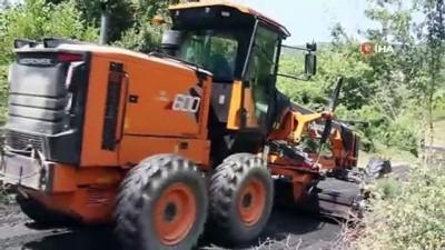 Belediyenin yapmadığı mahalle yolunu kaymakamlık asfaltladı