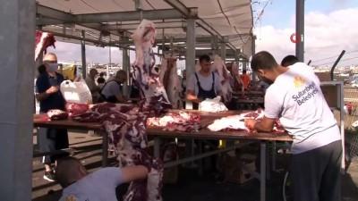 Sultanbeyli'de korona virüs tedbirli kurban kesimleri gerçekleştirildi