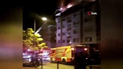 Başkent'te korkutan çatı yangını: 1 kişi dumandan etkilendi