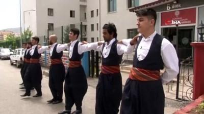 Yabancı öğrenciler, Türk kültürünü 'Halk Oyunları' ile öğreniyor