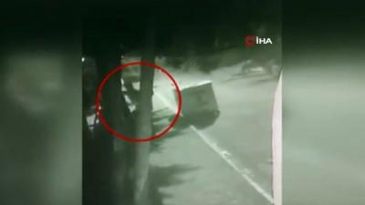 Beylikdüzü'nde 3 ayrı eve giren hırsız önce kameraya sonra polise yakalandı