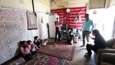 Barakada kalan Suriyeli aileye Van Büyükşehir Belediyesi sahip çıktı
