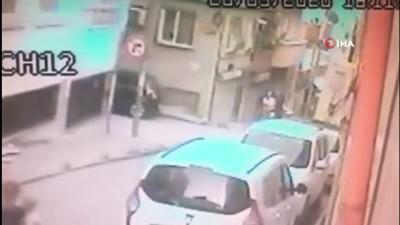 Bayrampaşa'da silahlı kovalamaca: 1 yaralı