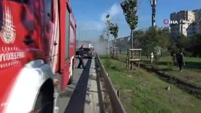 Kartal TEM bağlantı yolunda seyir halindeki otomobil alev topuna döndü