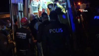 Beşiktaş'ta yangında mahsur kalan yaşlı vatandaş kurtarılarak hastaneye kaldırıldı
