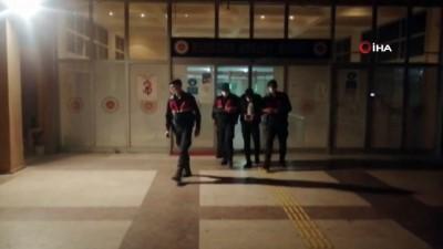 İzmir'de akıl almaz gasp tuzağı: Buluşmaya gidiyordu, gaspa uğradı