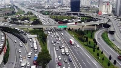 Mesailerin erken bitmesiyle trafik yoğunluğu oluştu