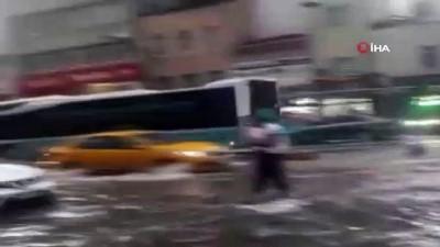 Karaköy'de su baskını yaşandı