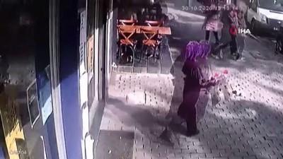 Rıza Bey Apartmanı'nda deprem esnasında yaşanan panik anları kamerada...Kimi nasıl kaçacağını şaşırdı, kimi de panikten telefona sarıldı