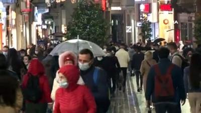 Sokağa çıkma kısıtlama öncesi vatandaşlar restoranlara akın etti