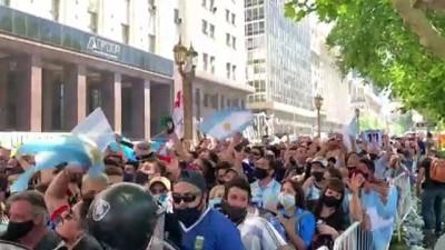 BUENOS AIRES - Arjantin Maradona'ya veda ediyor (5)