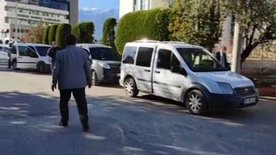 DENİZLİ - Bir kişinin otomobilinde pompalı tüfekle öldürülmesi olayına ilişkin 2 kişi tutuklandı