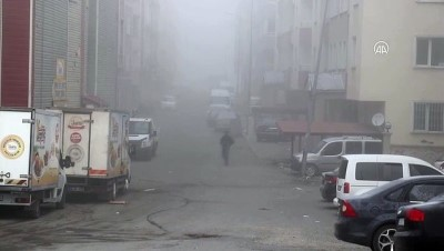 AĞRI - Etkili olan yoğun sis sürücülere zor anlar yaşattı
